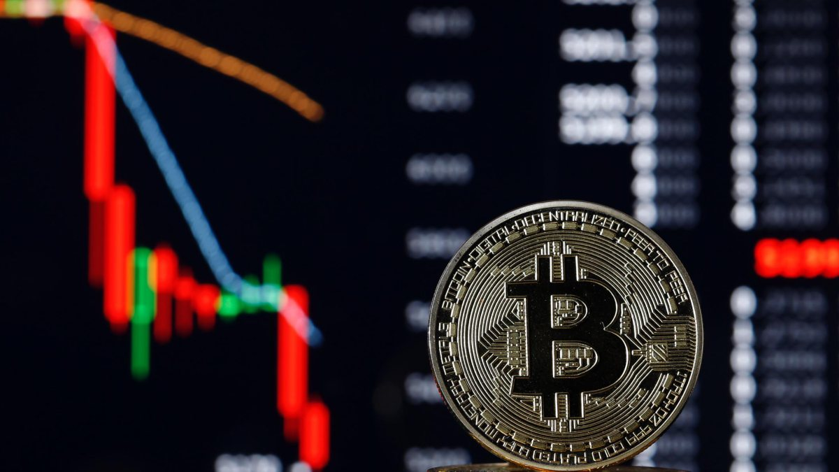 Bitcoin Fiyatı Kritik Seviyeyi Test Etti, Peki Düşüş Sürecek Mi?